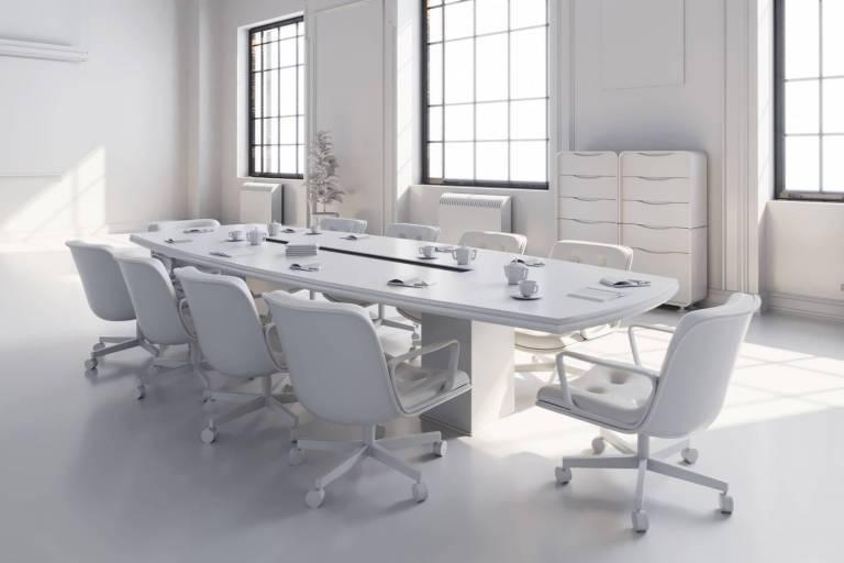 Salle de réunion moderne avec écran de projection